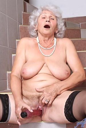Hot Moms Orgasm Porn Pictures