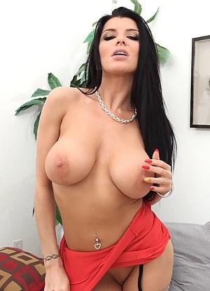 Hot Big Tits Moms Porn Pictures
