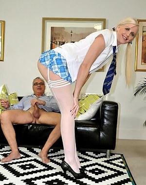 Hot British Moms Porn Pictures