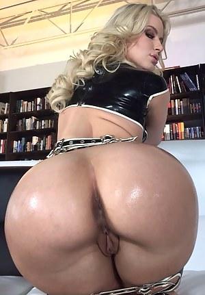 Hot Bubble Butt Moms Porn Pictures