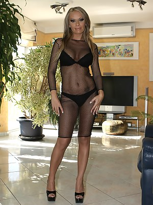 Hot Moms Fishnet Porn Pictures