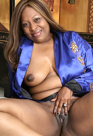 Hot Black Moms Pussy Porn Pictures