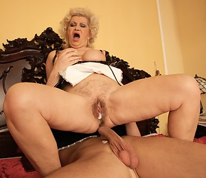 Hot Moms Creampie Porn Pictures