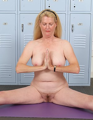 Hot Yoga Moms Porn Pictures