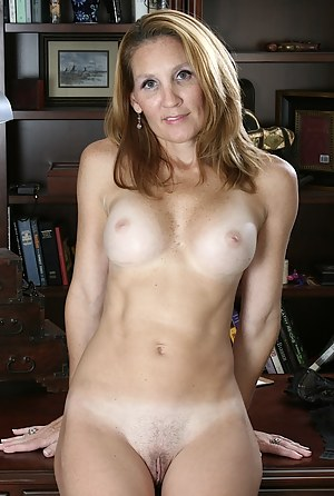 Hot Tanned Moms Porn Pictures