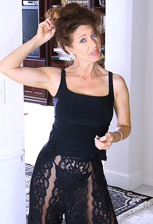 Hot Moms Solo Porn Pictures