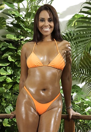 Hot Oiled Moms Porn Pictures