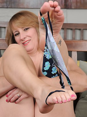 Hot Moms Foot Fetish Porn Pictures