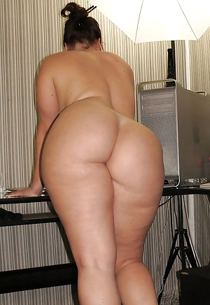 Hot Chubby Moms Porn Pictures